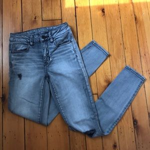AEO Grey Hi Rise Jegging Distressed Skinny Jeans